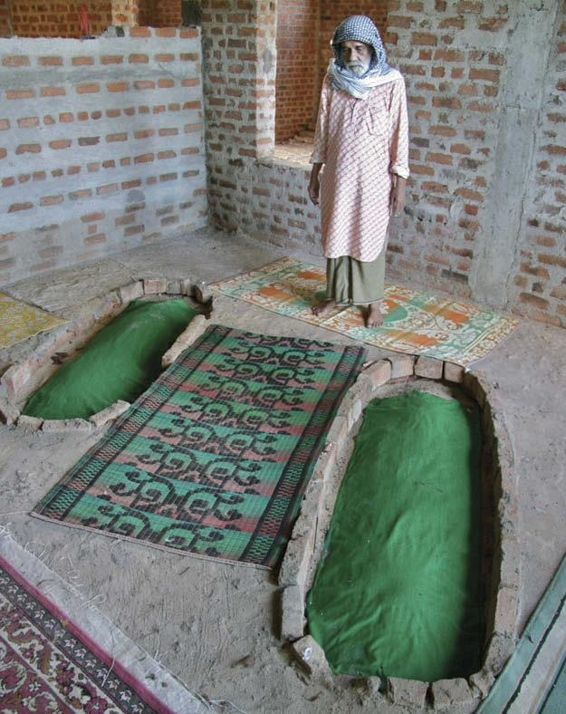 Enshrined tombs of wife and mother, under construction